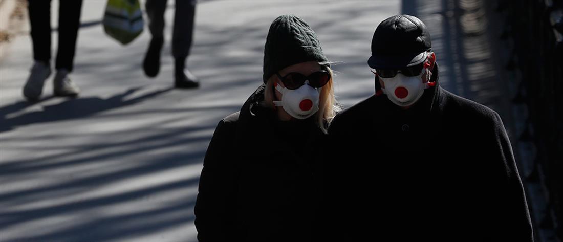 EΕ: Ο κορονοϊός είναι απίθανο να εξαφανιστεί το καλοκαίρι