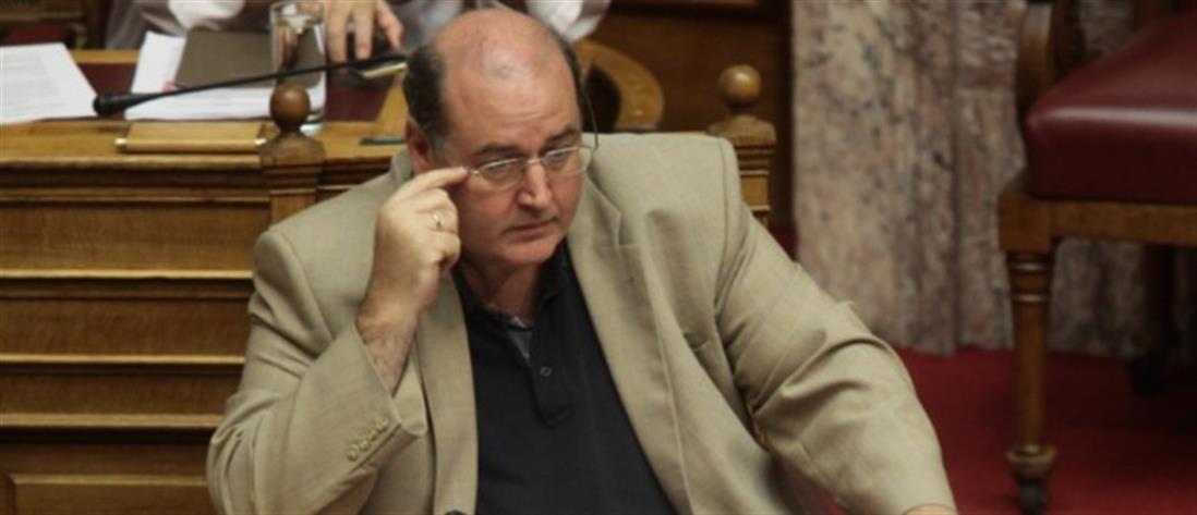 Αλυτρωτισμός η άποψη ότι η Μακεδονία είναι μόνο ελληνική, λέει ο Φίλης