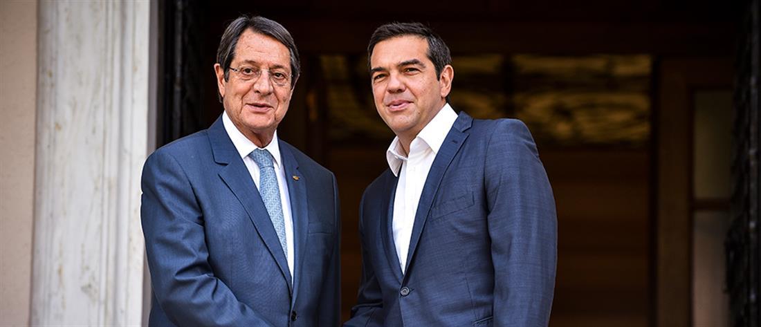 Συνάντηση Τσίπρα - Αναστασιάδη για οικονομία και Τουρκία (εικόνες)
