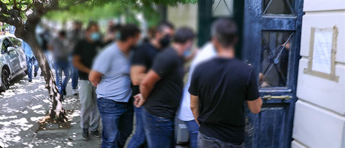 Ζάκυνθος - Ντίμης Κορφιάτης: Στον ανακριτή οι συλληφθέντες για τη δολοφονία της συζύγου του