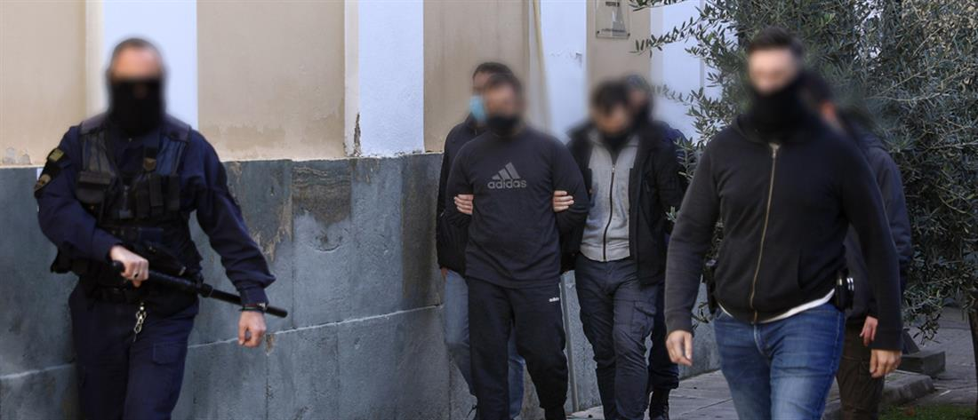 """Στην φυλακή ο """"φίλος"""" του Ριζάι που συνελήφθη για μακελειό σε μπαρ"""