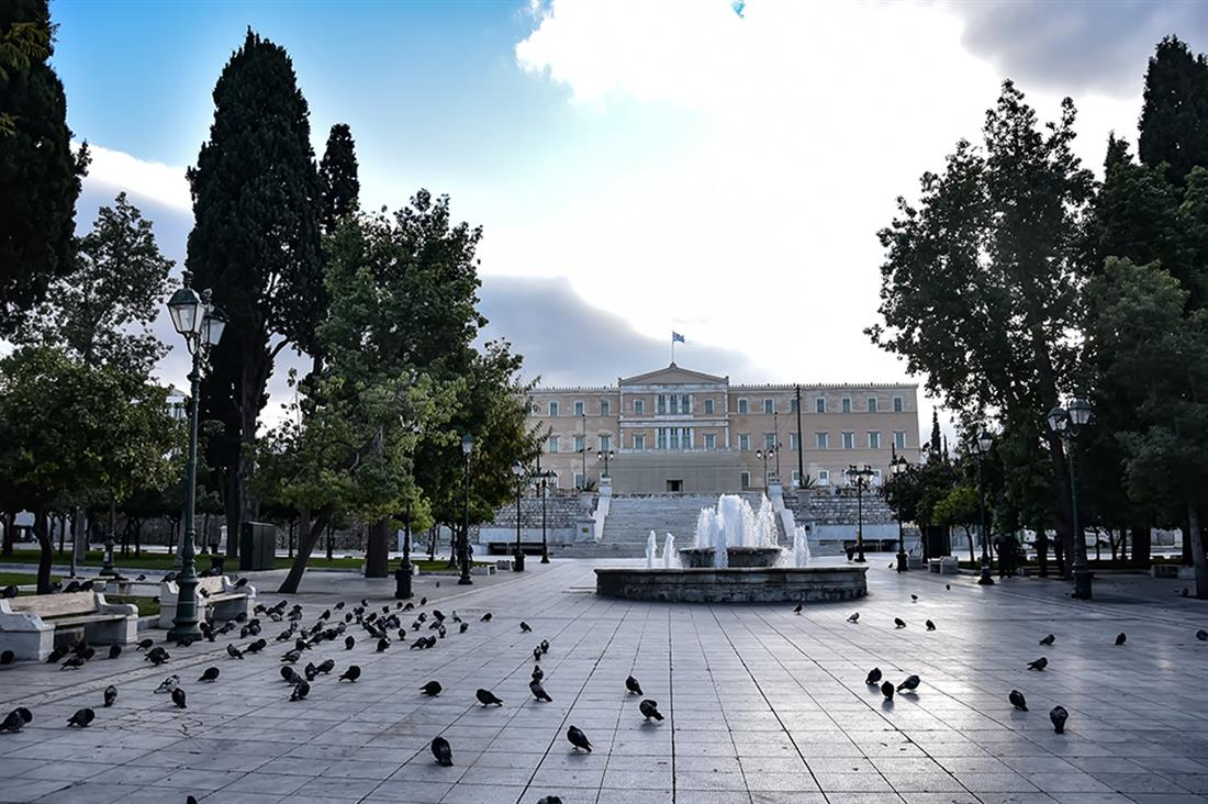 Αθήνα - lockdown - άδειοι δρόμοι - κορονοϊός