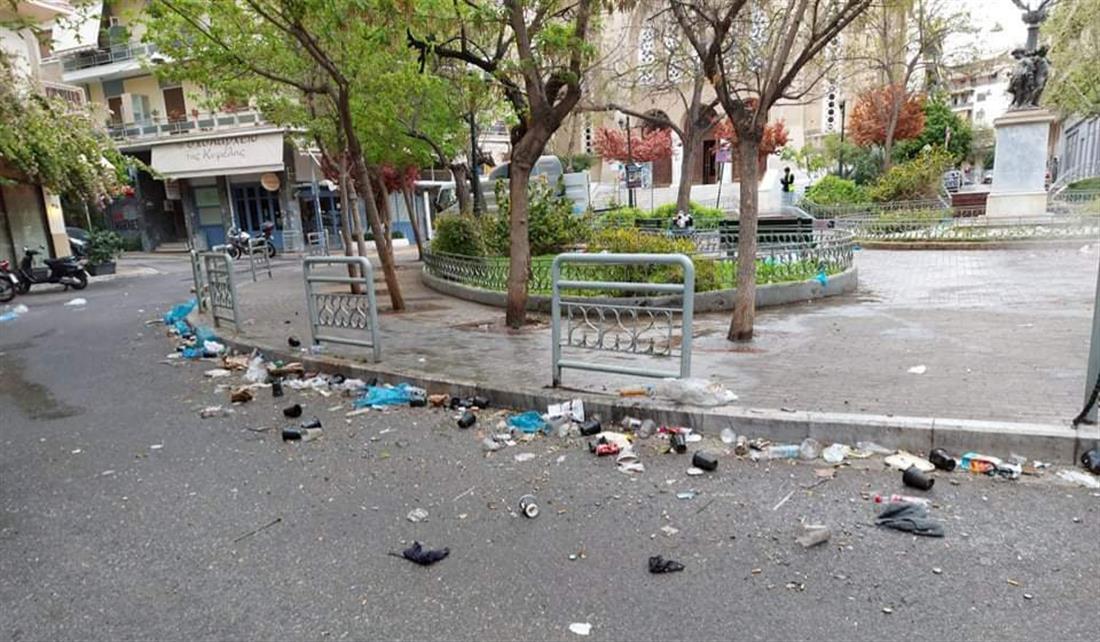 Κυψέλη - σκουπίδια