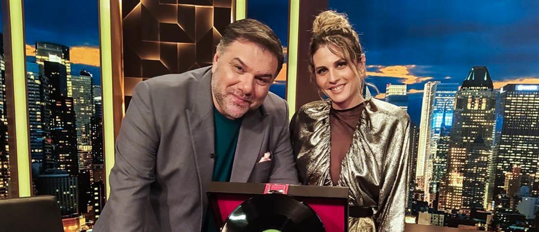 """The 2Night Show"": Η Ξένια Γκάλη συναντά τον Γρηγόρη Αρναούτογλου"