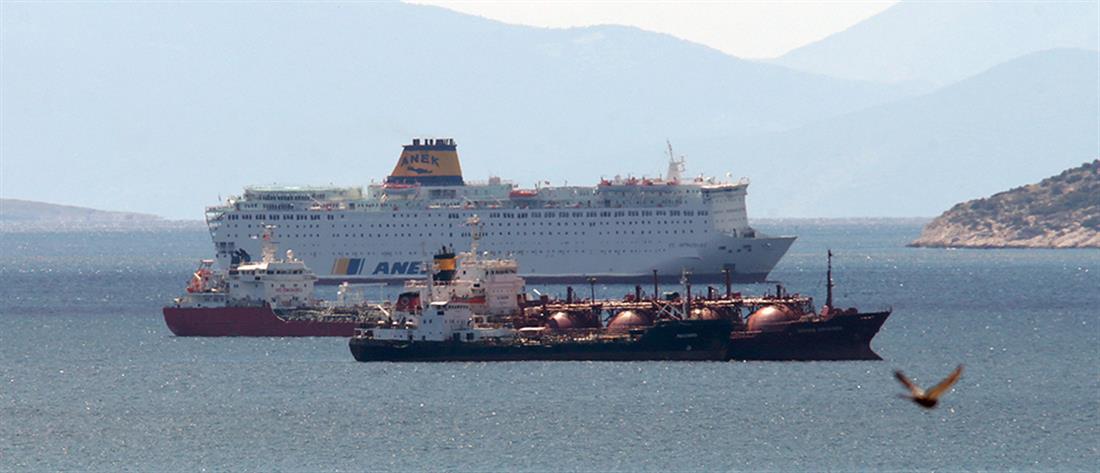 Κορονοϊός: πάνω απο 120 κρούσματα στο πλοίο που είναι αρόδου στον Πειραιά