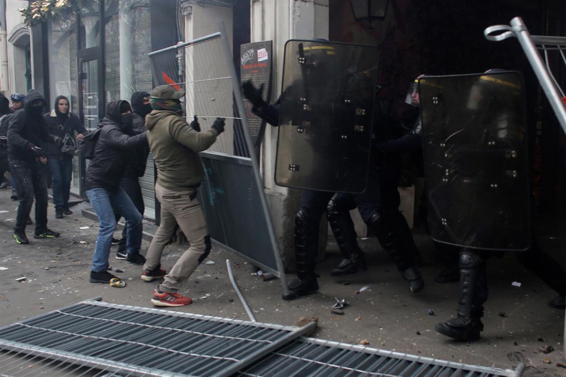 AP - Παρίσι - επεισόδια