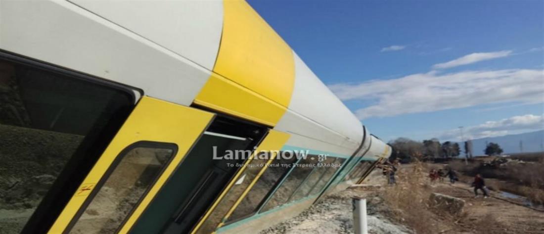 Τρένο εκτροχιάστηκε και αναποδογύρισε στο Λιανοκλάδι (εικόνες)