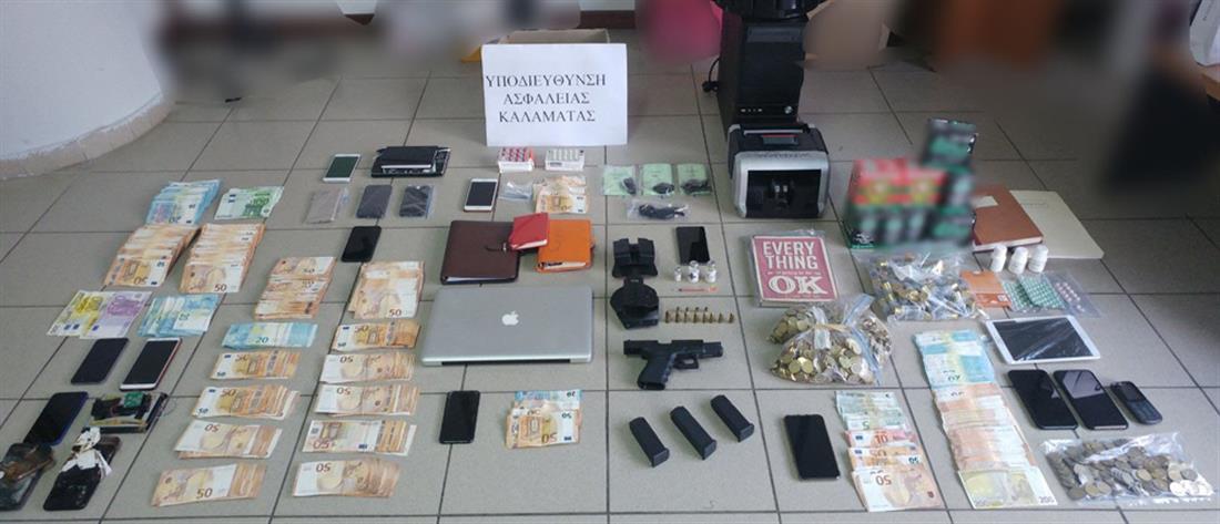 """Συλλήψεις για """"ξέπλυμα"""" χρήματος και αναβολικά"""
