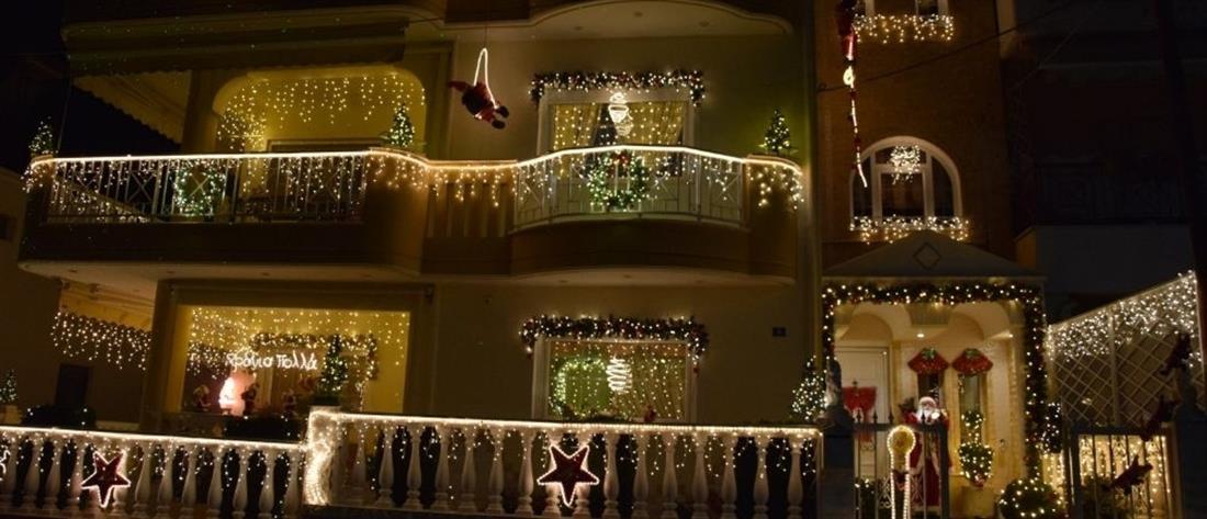 """Κοζάνη: Το """"Σπίτι των Χριστουγέννων"""" φωτίστηκε και φέτος (εικόνες)"""