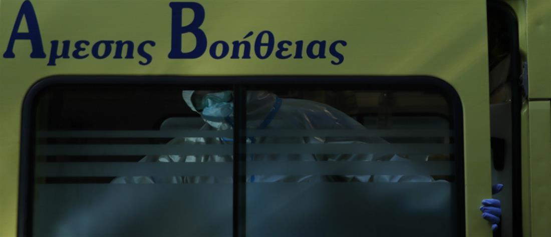 """Κορονοϊός: """"έκρηξη"""" στις εισαγωγές ασθενών και 3015 νέα κρούσματα"""