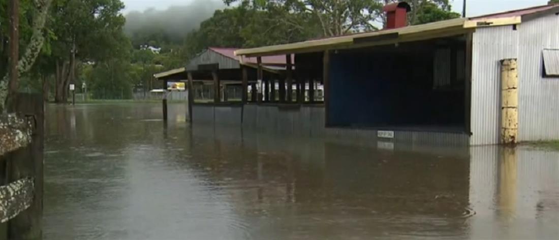 """Αυστραλία: μετά τις φωτιές ήρθε ο κυκλώνας """"Ντάμιεν"""""""