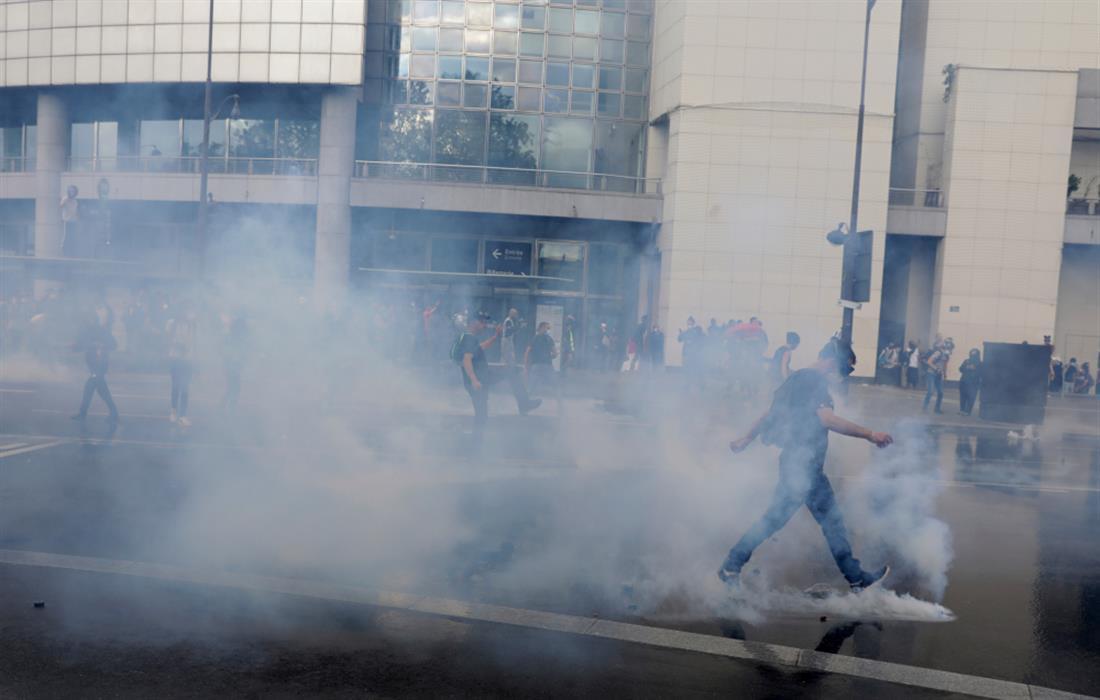 AP - Γαλλία - Παρίσι - Διαδήλωση - αντιεμβολιαστές