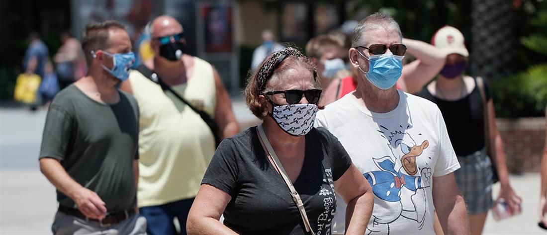 """Κορονοϊός: συνεχίζει να """"καλπάζει"""" στις ΗΠΑ"""