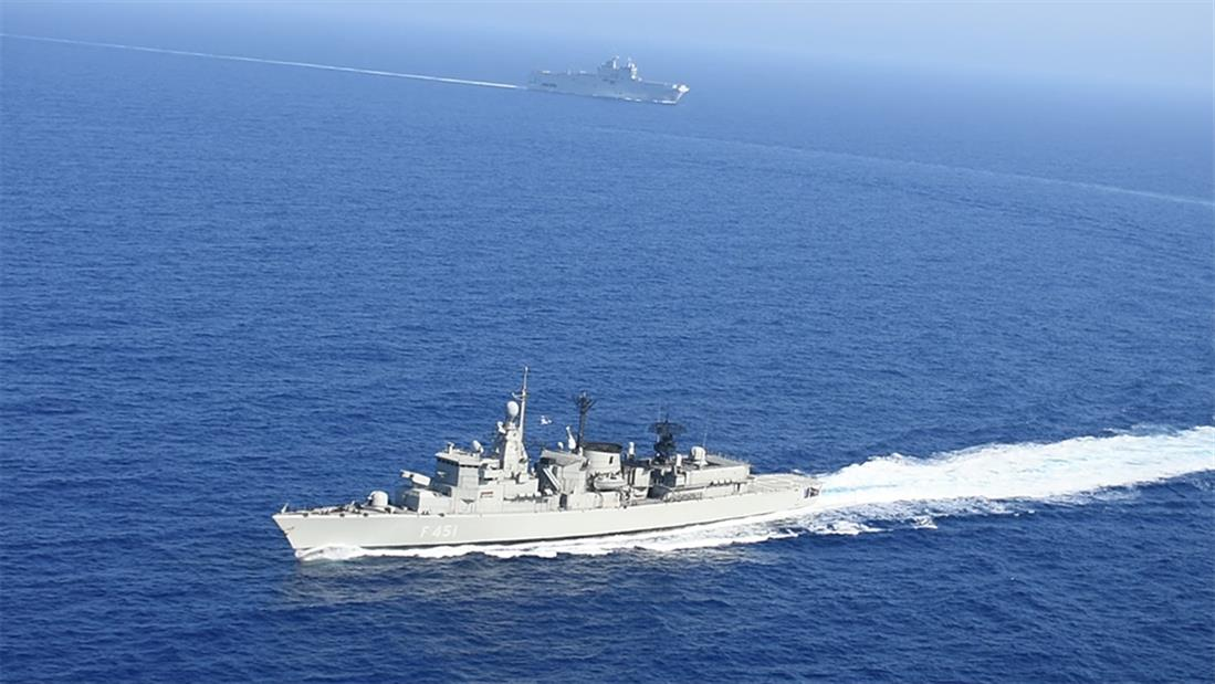 Πολεμικά πλοία - Πολεμικά αεροσκάφη - Μεσόγειος - Γαλλία