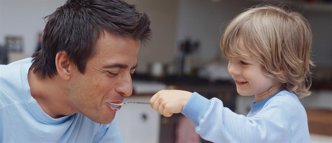 """Μάθημα """"καλός γονιός"""" για μπαμπάδες"""