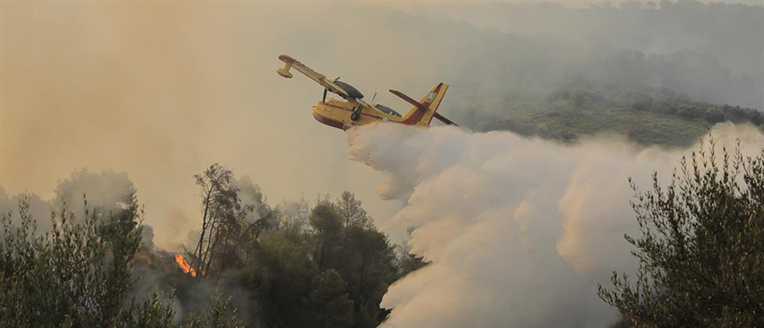 Πρόβλημα στο ρεύμα από τη φωτιά στη Βαρυμπόμπη