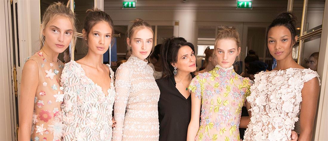 "2d85ac1f3f62 ""Μάγεψε"" η επίδειξη της Σίλιας Κριθαριώτη στην Εβδομάδα Μόδας του Παρισιού  (φωτο -"