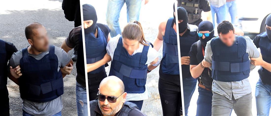 Στα δικαστήρια οι συλληφθέντες για τη ληστεία στο ΑΧΕΠΑ (εικόνες)