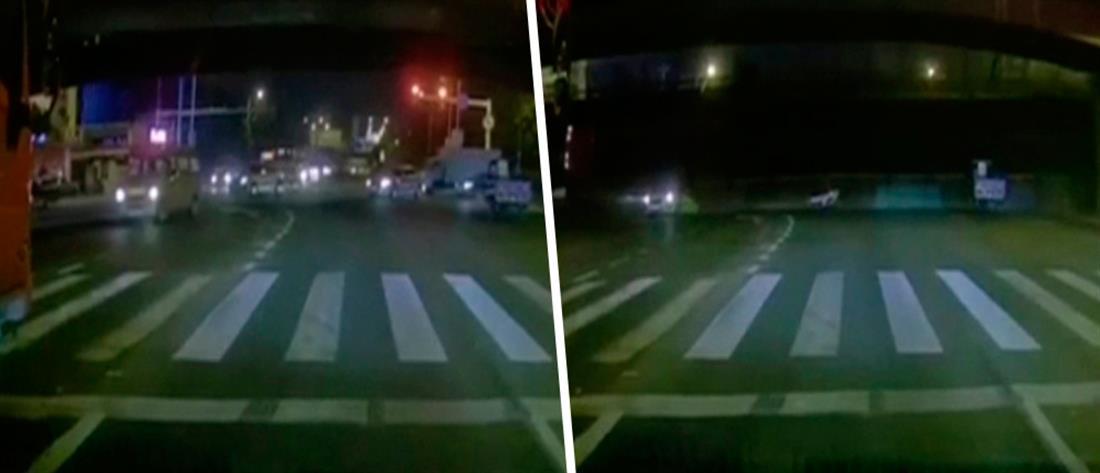 Βίντεο-σοκ: γέφυρα κατέρρευσε πάνω σε αυτοκίνητα