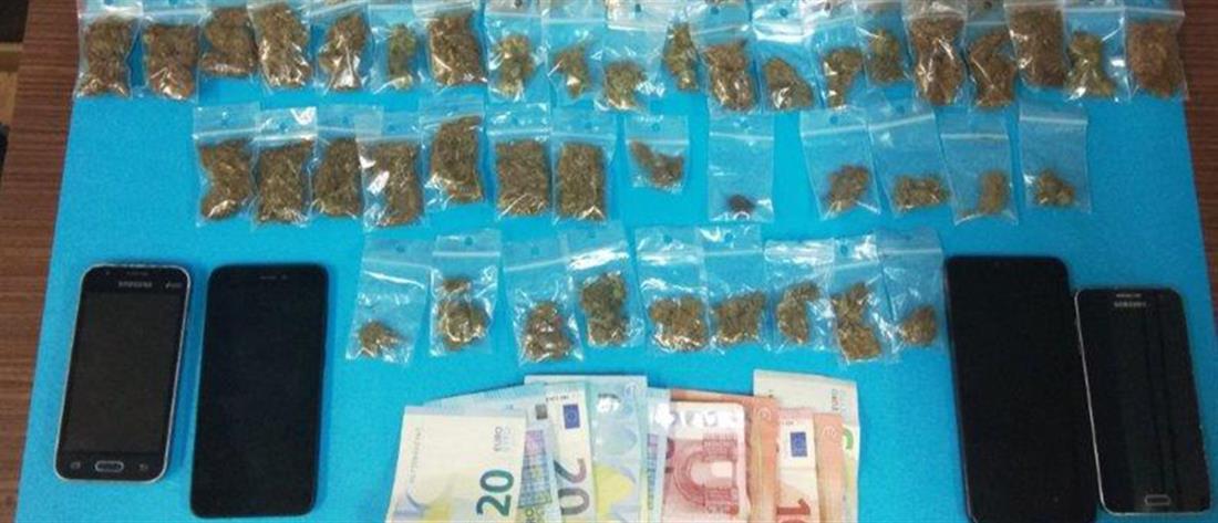 Αστυνομική επιχείρηση για ναρκωτικά στα Εξάρχεια (εικόνες)