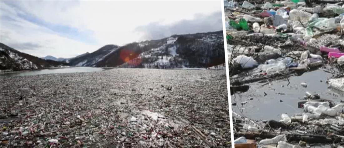 """Ποτάμι """"χάθηκε"""" από τα σκουπίδια (εικόνες)"""
