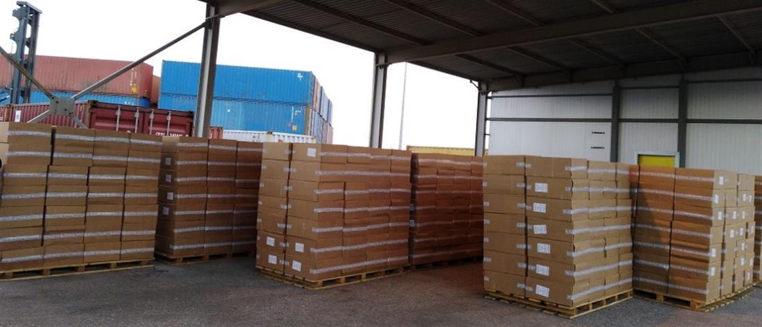 """ΑΑΔΕ: Μπλόκο σε φορτίο με """"μαϊμού"""" προϊόντα από την Τουρκία"""