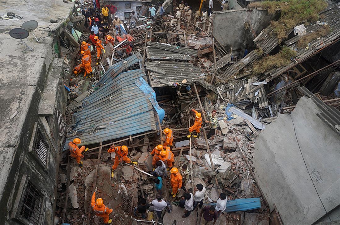 Ινδία - κατάρρευση - κτήριο