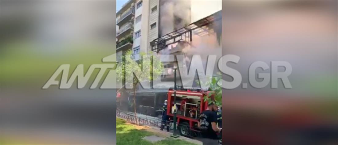 """""""Συναγερμός"""" από φωτιά σε πολυκατοικία"""
