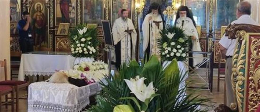 Τρεις ιερείς συλλειτούργησαν στην κηδεία της μητέρας τους! (εικόνες)