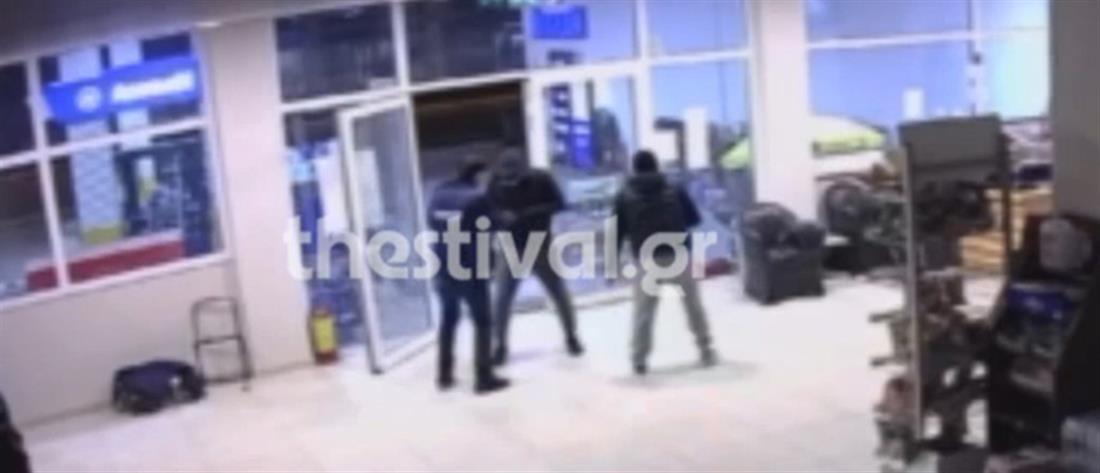 Θεσσαλονίκη: άγρια ληστεία σε βενζινάδικο (βίντεο - ντοκουμέντο)