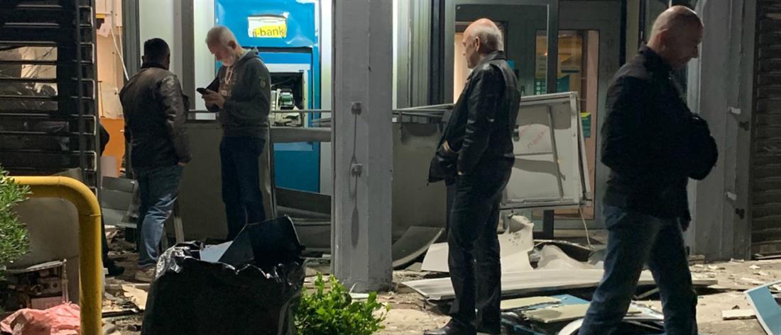 Ανατίναξαν ΑΤΜ τράπεζας στο Παλαιό Φάληρο (εικόνες)