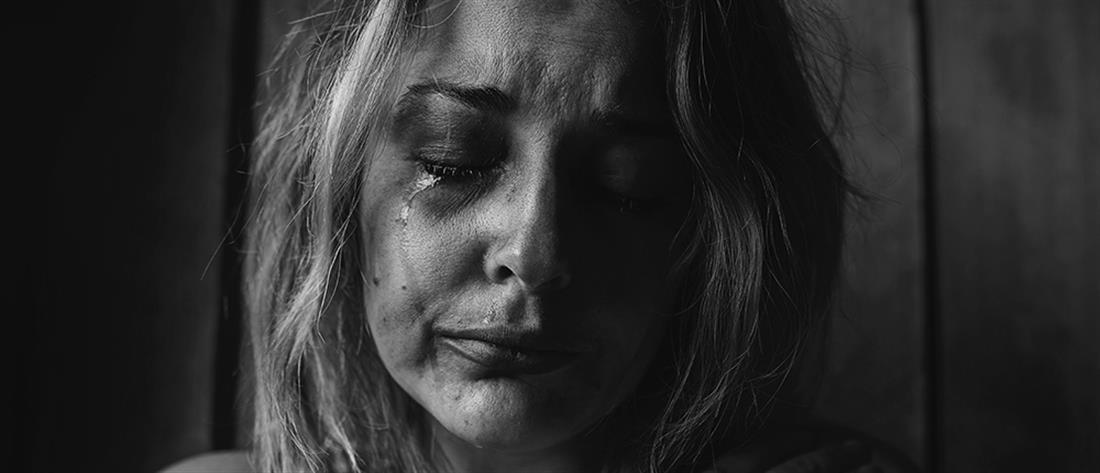 Κρήτη: Ξυλοκόπησε τη σύντροφό του στο δρόμο