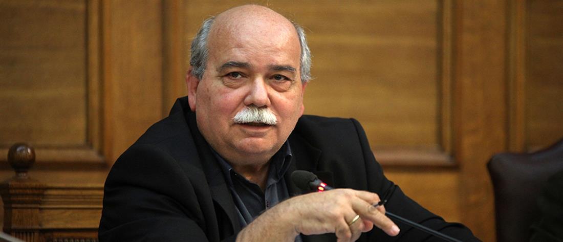 Βούτσης: δεν είναι σκανδαλώδης η μείωση της εισφοράς αλληλεγγύης στα πολιτικά πρόσωπα
