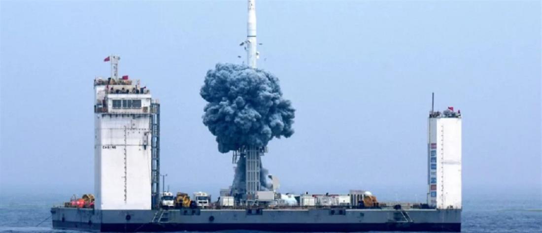 Η Κίνα εκτόξευσε για πρώτη φορά πύραυλο από τη θάλασσα