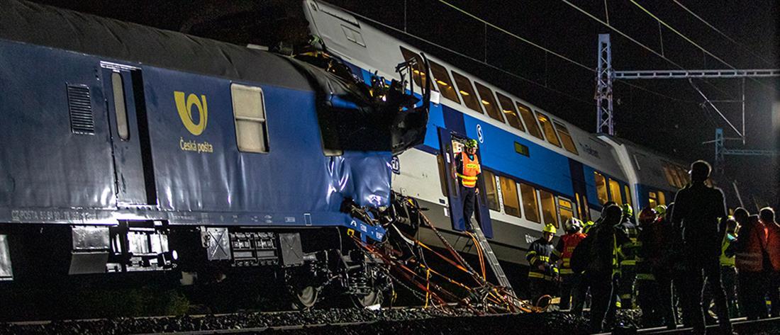 Επιβατικό τρένο συγκρούστηκε με εμπορευματικό (εικόνες)
