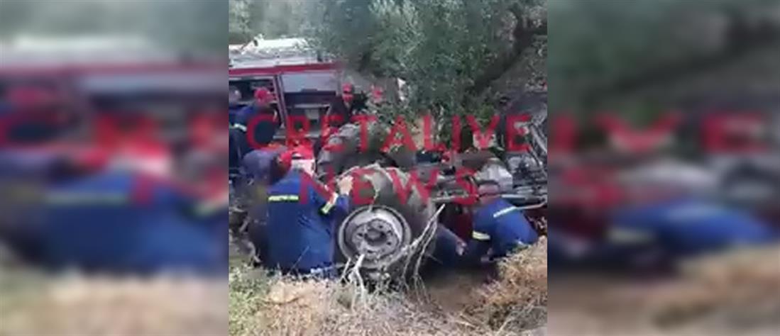 Κρήτη: Καρέ – καρέ απεγκλωβισμός αγρότη από τρακτέρ (βίντεο)