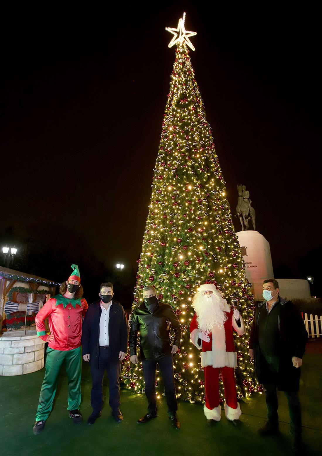 Φωταγώγηση - Πατούλης - χριστουγεννιάτικο δέντρο - Πεδίο του Άρεως
