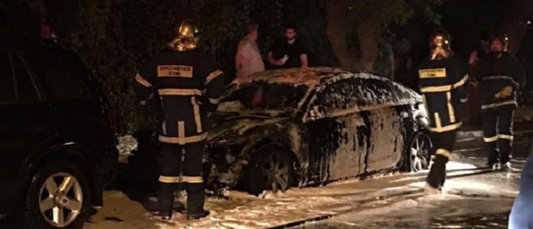 Στις φλόγες αυτοκίνητα σε Άλιμο και Ασπρόπυργο