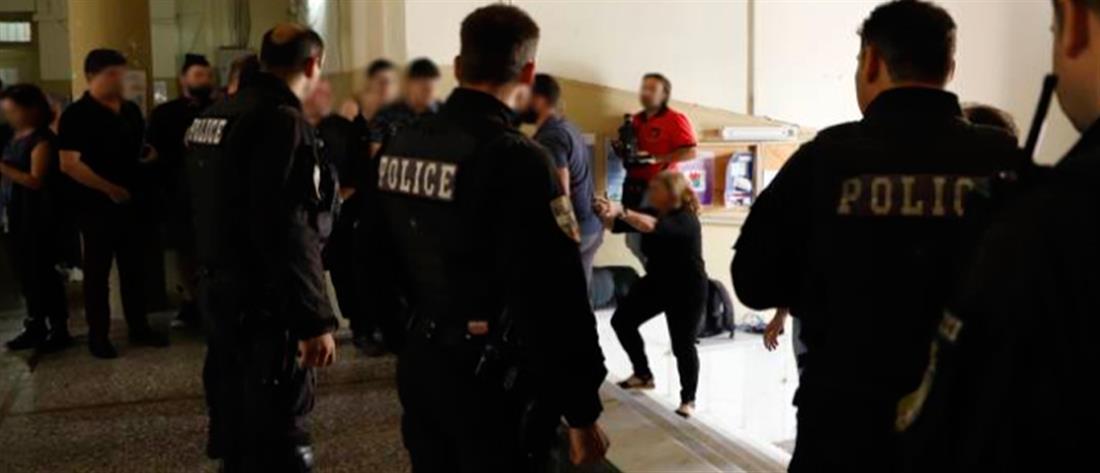 Προφυλακίστηκε η 31χρονη που δολοφόνησε τον πρώην σύζυγο της (εικόνες)