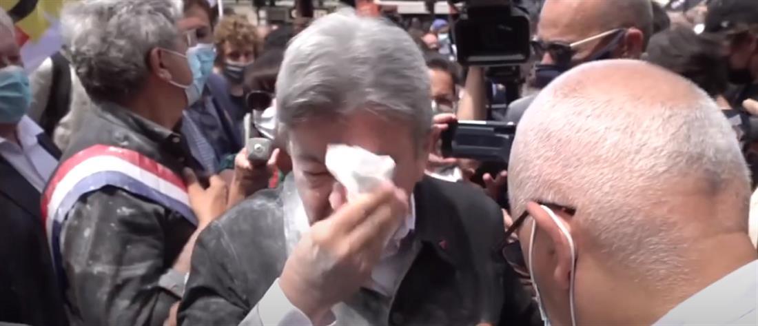 Γαλλία: ο Μελανσόν δέχθηκε επίθεση με αλεύρι (βίντεο)
