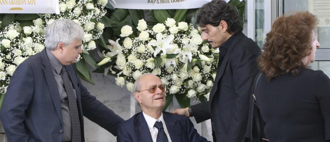 Θρήνος στην κηδεία του Κώστα Γιαννακόπουλου (φωτο)