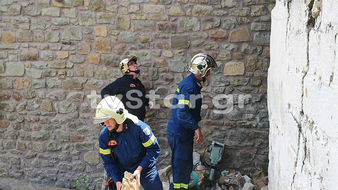 Εργάτης - απεγκλωβισμός - Ευρυτανία