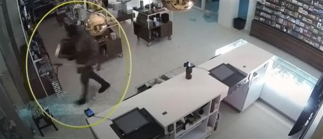 Στη δημοσιότητα το βίντεο της κλοπής πίνακα του Βαν Γκονγκ (βίντεο)