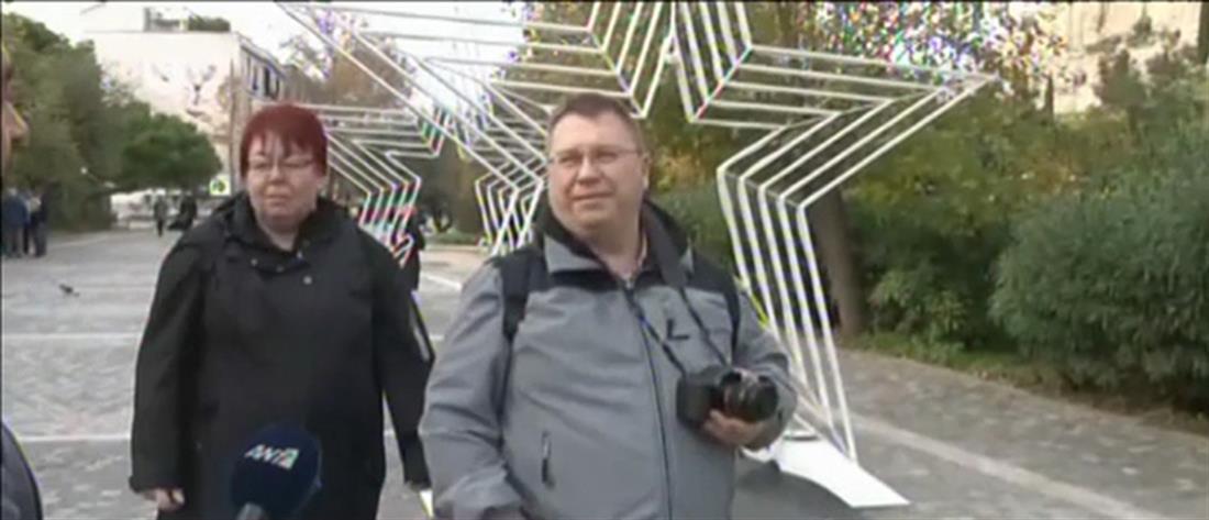 Πόλος έλξης για χιλιάδες τουρίστες η χριστουγεννιάτικη Αθήνα (βίντεο)