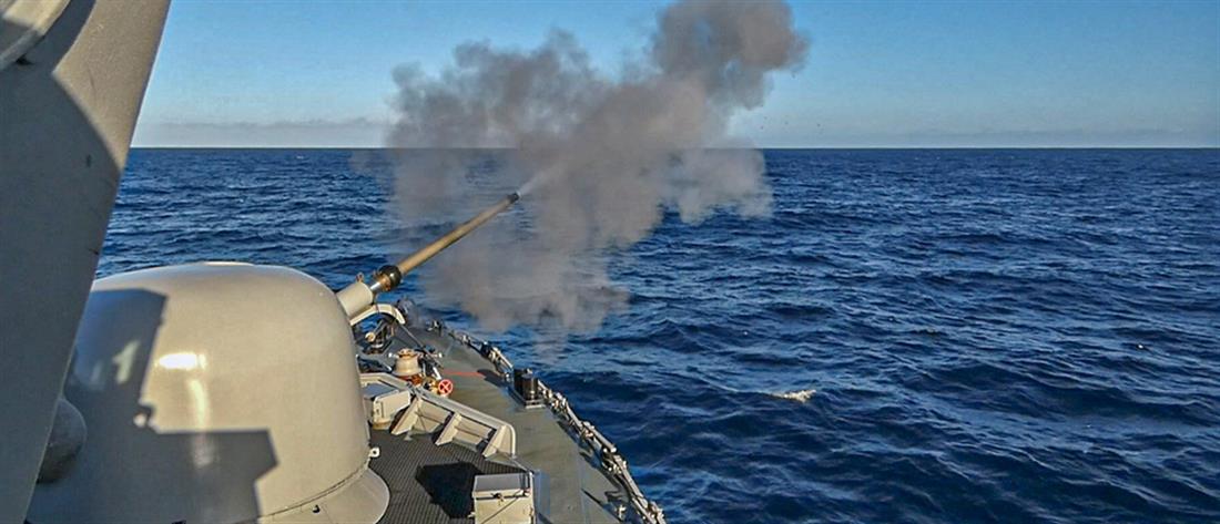 Πολεμικό Ναυτικό: Εντυπωσιακές εικόνες από άσκηση στο Αιγαίο