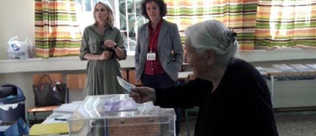 Εκλογές 2019: Ψηφοφόρος ετών… 103 (εικόνες)