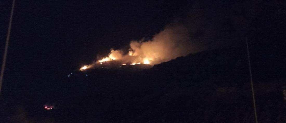 Φωτιά στο ΚΥΤ Σάμου (εικόνες)