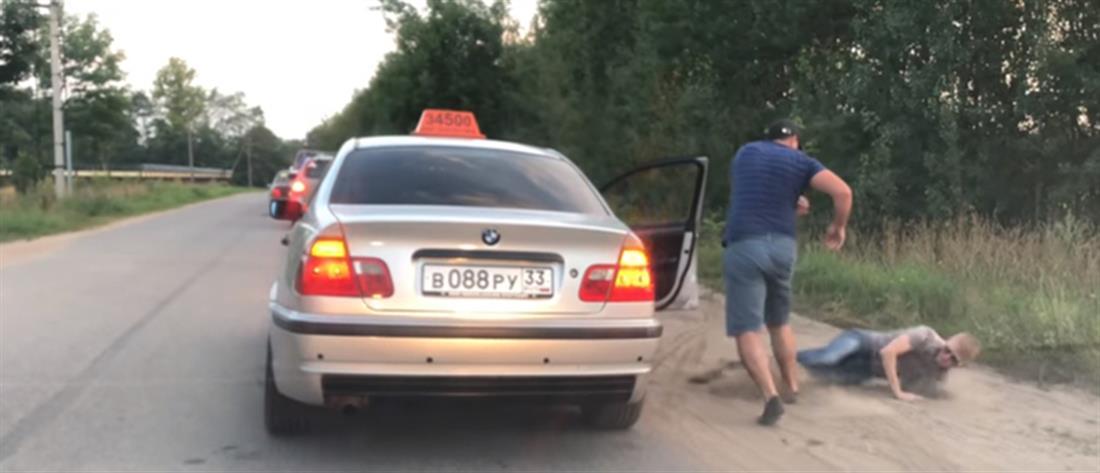 """Ταξιτζής """"ξεφόρτωσε"""" επιβάτη που πέταξε μπουκάλι από το παράθυρο (βίντεο)"""