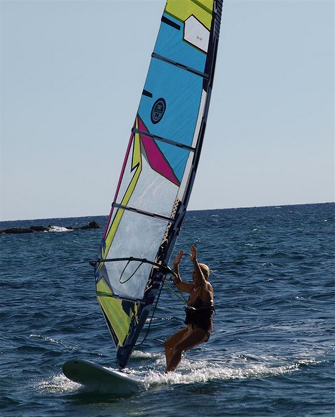 Αναστασία Γερολυμάτου - 81χρονη - σερφ - windsurf