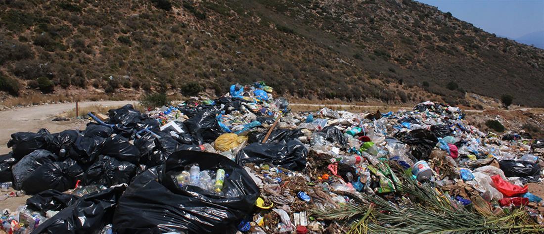 Χατζηδάκης: κλείνουν όλες οι χωματερές σε Κυκλάδες και Δωδεκάνησα
